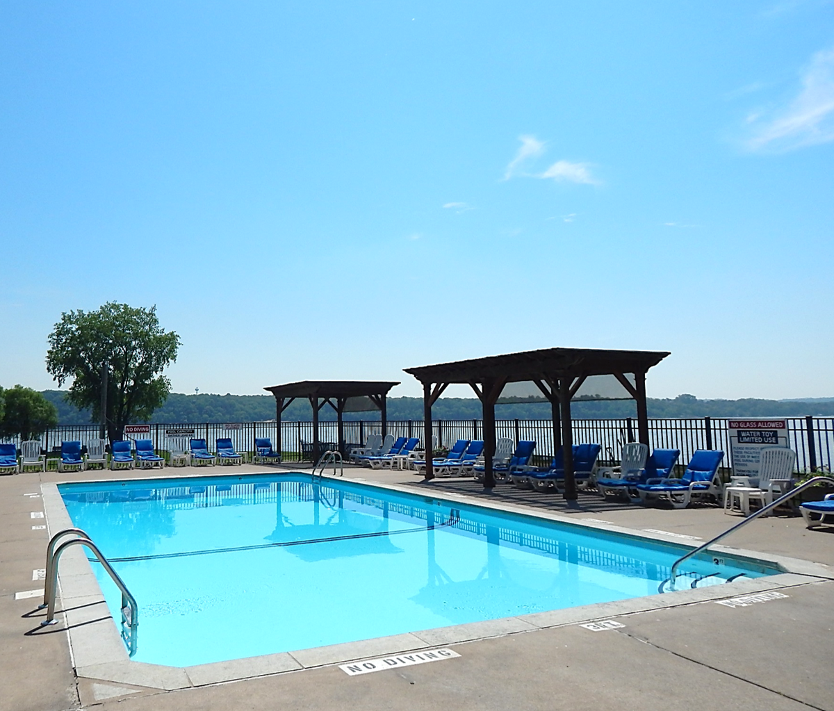 Family Friendly Marina With Amenities Heated Swimming pool St. Croix River